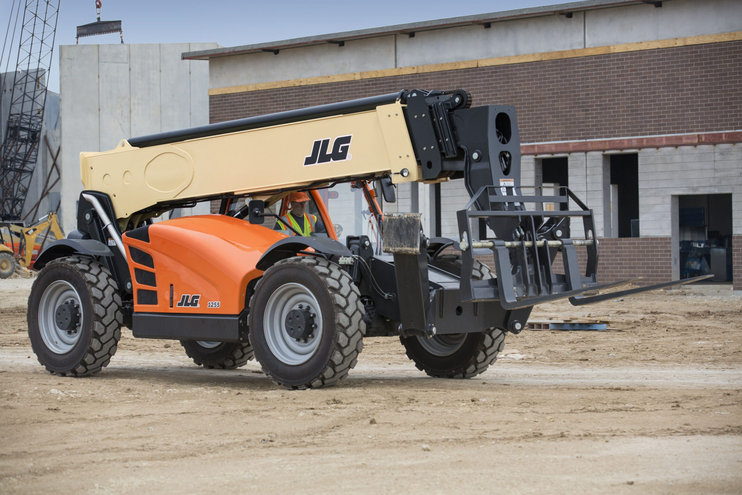 JLG Helping to Reduce Maintenance Costs for Owners