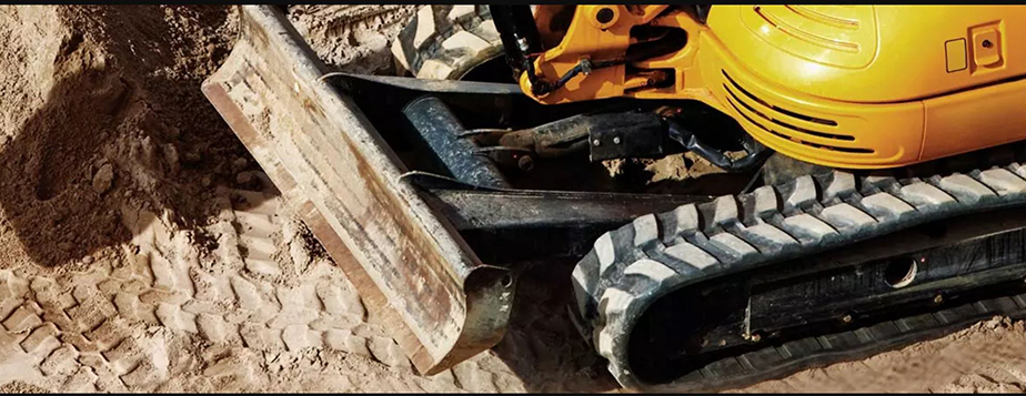 West Coast Now Offers MaxTrax Rubber Tracks